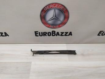 Кронштейн бампера передний левый Mercedes W219 2198800114