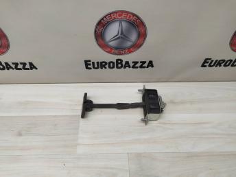 Ограничитель двери задний левый Mercedes W219 2197300016