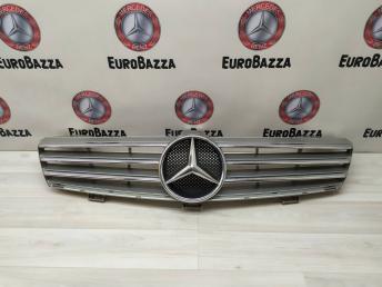 Решетка радиатора Mercedes W219 2198800083