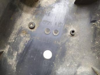 Накладка заднего рычага Mercedes W219 2113520388