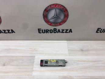 Усилитель антенны Mercedes W204 2048200089