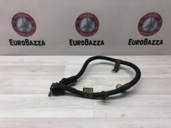 Силовой кабель на стартер Mercedes W211 2115408135