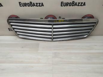 Решетка бампера Mercedes W211 2118800283