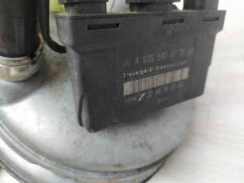 Вакуумный усилитель тормозов Mercedes W210 0255454732