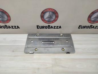 Накладка номерного знака Mercedes W220 Япония 2208850981