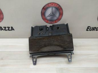 Пепельница Mercedes W204 2046800179