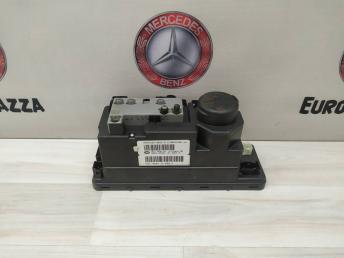 Компрессор центрального замка Mercedes W210 2106801236