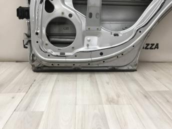 Дверь задняя правая Mercedes W203  A2037300805