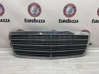 Решетка радиатора Mercedes W210 A2108800483