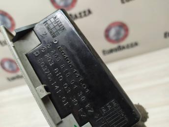 Накладка фары левая Mercedes W209 2098100130