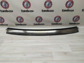 Накладка лобового стекла Mercedes W208 Cabriolet 2086700422