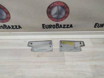 Накладка двери металлическая двери Mercedes W208 2087280121
