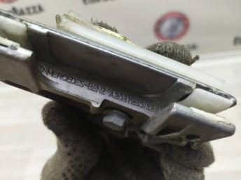 Направляющая стекла двери Mercedes W208 2087250132
