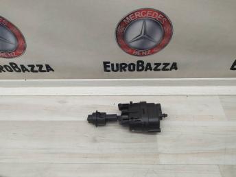 Клапан вакуумный Mercedes W208 2088000775