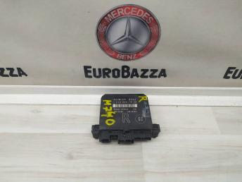 Блок управления двери правый Mercedes W208 2108207826