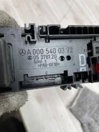 Блок предохранителей  Mercedes W210 A0005400372