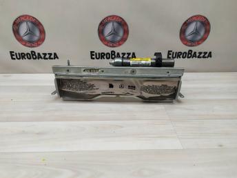 Подушка безопасности коленная Mercedes W204 2048601902