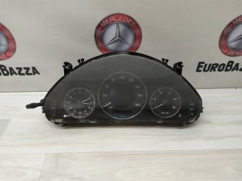 Панель приборов Mercedes W211 2115405911