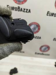 Кнопка регулировки левого сидения Mercedes W210 2108213751