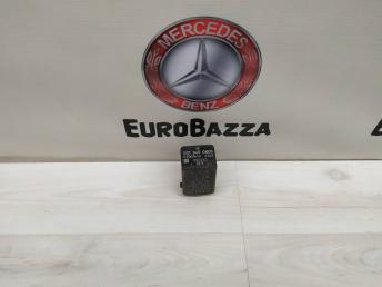 Реле топливного насоса Mercedes W123 0015450805