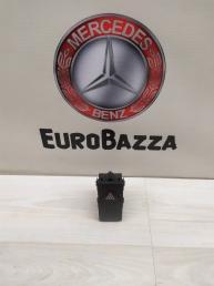 Кнопка аварийной сигнализации Mercedes W212 2129052300