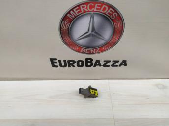 Датчик удара Mercedes W212 2048201985