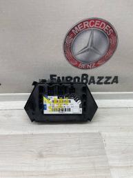 Блок управления сидением задний левый Mercedes W220 2208216879