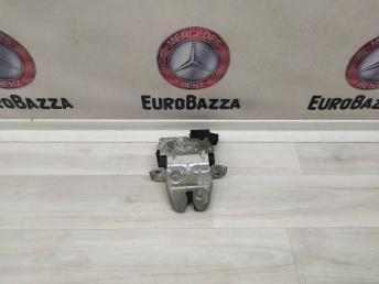 Замок крышки багажника Mercedes W203 Coupe 2037400245