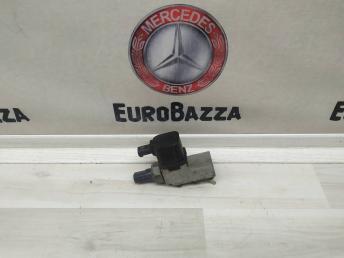 Блок клапанов пневмоподвески Mercedes W219 2113200158