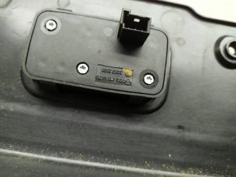 Накладка с кнопкой закрывания багажника Mercedes W219 2197500393