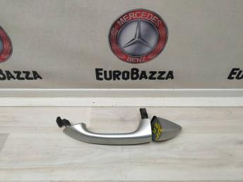 Ручка двери задней левой Mercedes W164  1647600570