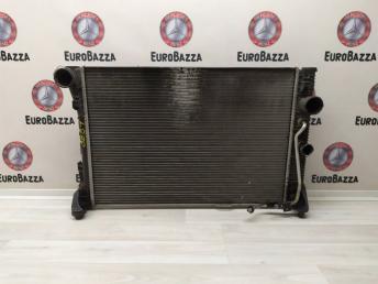 Радиатор охлаждения основной Mercedes W204 2045000203