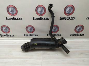 Патрубок интеркулера Mercedes M271 2710901537