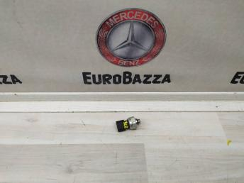 Датчик хладагента Mercedes W204 2110000283
