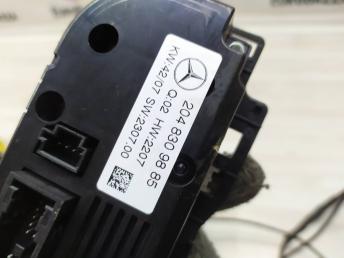 Блок управления климатом Mercedes W204 2048309885