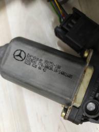 Стеклоподъемник передний левый Mercedes W215 2157200346