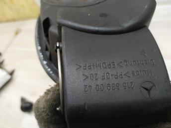 Лючок бензобака Mercedes W215 2156390042