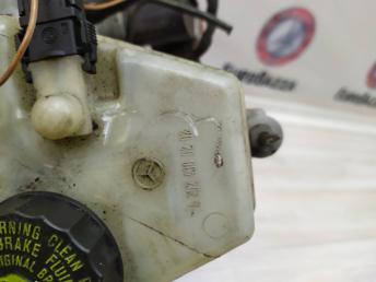 Вакуумный усилитель тормозов Mercedes W210 2104300130