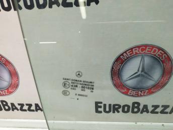 Стекло переднее правое Mercedes W209 CLK 2097250210
