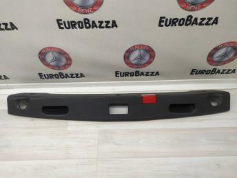 Накладка крышки багажника Mercedes W212 2127501293