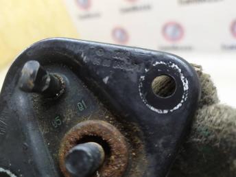 Фиксатор замка капота Mercedes W212 2128800060