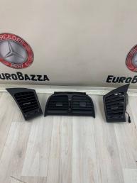 Дефлектор салона Mercedes W208