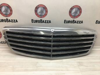 Решетка радиатора Mercedes W221 2118800083