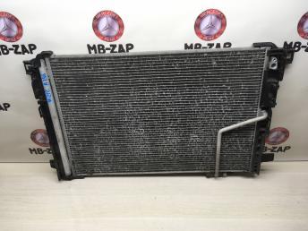 Радиатор основной Mercedes W212 2045003603
