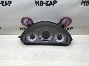 Панель приборов Mercedes W211 2115401248