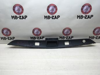 Накладка ручки багажника Mercedes W212 2127400793