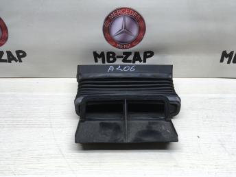 Воздушный канал Mercedes W212 2125050161