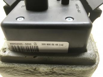 Компрессор центрального замка Mercedes W220 2208000548