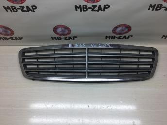 Решетка радиатора Mercedes W203 2038800183
