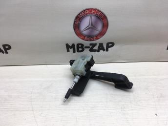 Сервопривод замка лючка бензобака Mercedes W203 2038201997